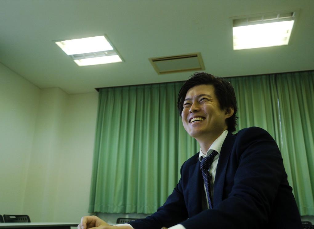 先輩インタビュー プロジェクト事業 本郷 恭之